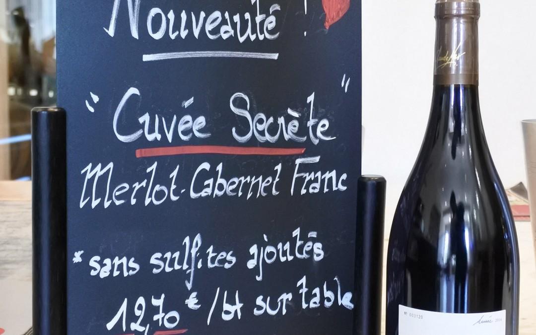 La cuvée secrète se dévoile sans sulfite ajouté au bar à vin à Côté Mas