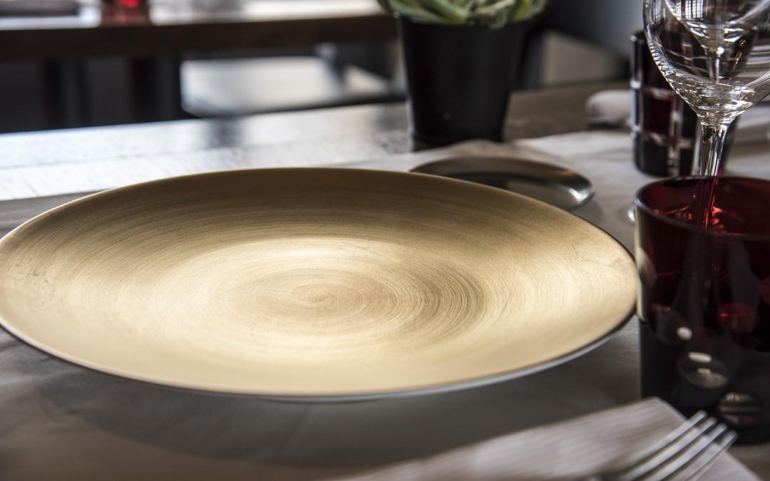 De toutes nouvelles assiettes en provenance du Japon par Arita Porcelain Lab
