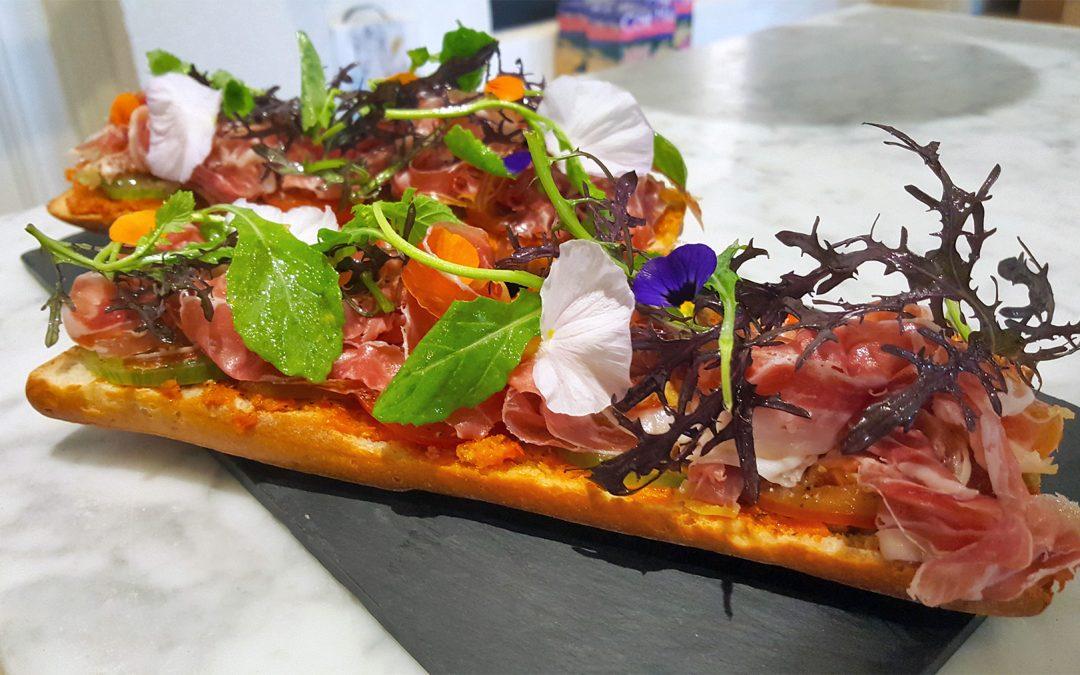 Le Pan Con Tomate et salade vu par Erwan au bar à vin